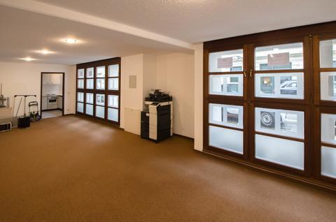 Büro EICHLER IMMOBILIEN: Ruhiges Büro im Erdgeschoss