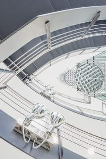 Treppenhaus STOCK - Herzlich Wilkommen an Board in Ihren neuen Büros