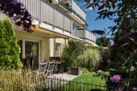 Gartenplatz Exklusive 3,5 Zimmer Gartenwohnung mit Souterain, Sauna und Privatgarten verkauft.