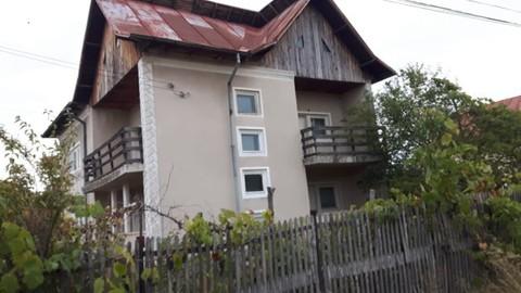PRO0112_mvc-001f.jpg Villa mit grossem Garten und Baugrundstück