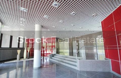 Foyer STOCK - Büroflächen mit Hofgarten