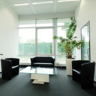 Innen8 Attraktives Büro am Hirschgarten