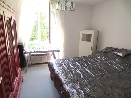 Schlafzimmer **An den Isarauen**Lichtdurchflutete 2-Zimmer-Wohnung mit Balkon in Unterföhring**