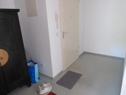 Eingangsbereich **An den Isarauen**Lichtdurchflutete 2-Zimmer-Wohnung mit Balkon in Unterföhring**