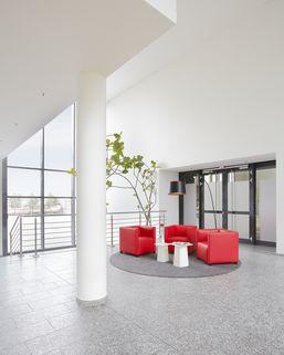 Lounge Startklare Büros ab 14 m²