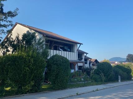 Haus Vorderansicht Eigentumswohnung im Zentrum von Saaldorf