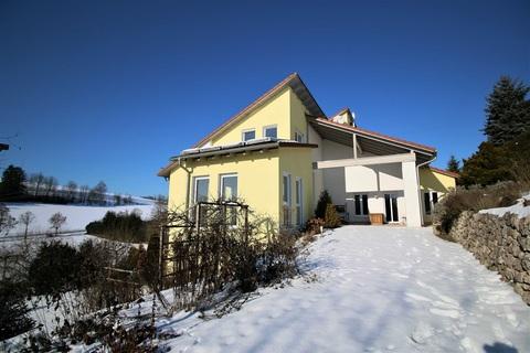 Bild 1 Besonderes Anwesen mit Donaublick