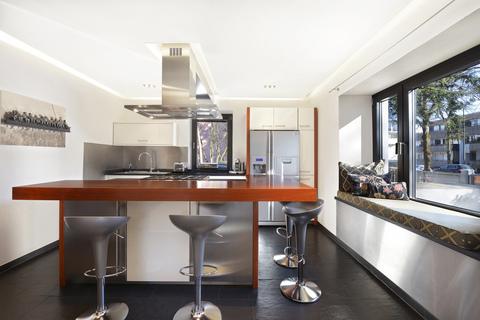 Küche Modernes Familiendomizil mit ca. 269 m² und Traumgarten