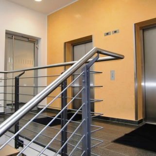 Lift Attraktives Büro am Hirschgarten