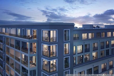 Blick in die Wohnungen bei Nacht Wohnkultur mit Lebensstil – großzügige 3-Zimmer-Wohnung mit 2 Bädern in Bogenhausen
