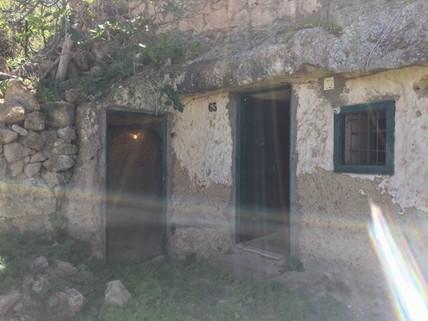 N44080181_mvc-001f.jpg Haus Höhlen Land 4.000 m².