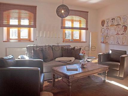 Bild 1 FLATHOPPER.de - Hochwertige 4-Zimmer-Wohnung im denkmalgeschützem Haus in Grassau bei Chiemsee