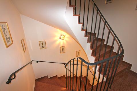 Treppenhaus Charmante Doppelhaushälfte in schöner, ruhiger Lage von Solln