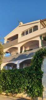 PHR0154_mvc-001f.jpg Apartmenthaus 5m vom Meer
