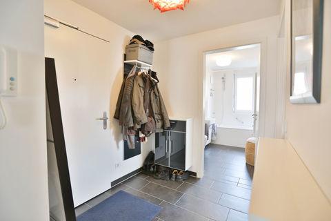 Eingangsbereich **Helle und moderne 3 - Zimmer - Wohnung mit sonnigem Balkon zum Wohlfühlen**