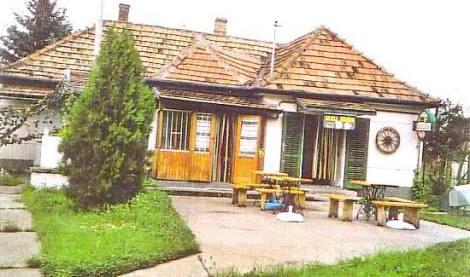 PH0025_mvc-001f.jpg Romantisches Restaurant mit schönem Garten