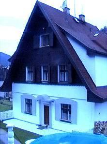 N1430212_mvc-001f.jpg Schöne dreistockige Pension in Kurort Karlsbad