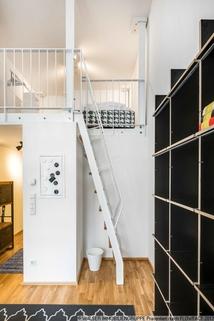 Treppe WALSER: Einzigartige Gelegenheit - Möbliertes Galerie-Apartment für Studenten - zum Sofort-Bezug!