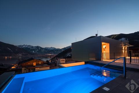 Beheizter Pool mit Blick auf den Zeller See©Michael_Werlberger_low-5475 MODERN ALPINE - BEEINDRUCKENDE DESIGN-LIEGENSCHAFT IN ZELL AM SEE
