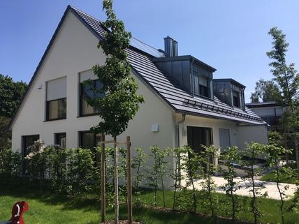 Terrasse und Garten Stadthaus mit eigenem Garten in ruhiger Lage