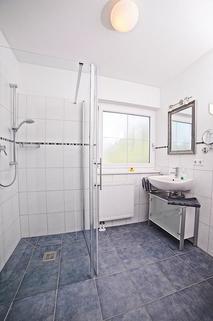 Bild 7 FLATHOPPER.de - 2-Zimmer Wohnung im Studiocharakter mit Balkon in Bad Endorf - Landkreis Rosenheim