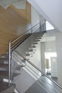 Treppe ins Obergeschoss Büroräume/Laden in bester Lage in Regen zu vermieten