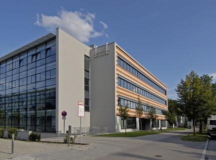 Gebäudeansicht Nord-Westseite Repräsentatives Bürogebäude in der Leopoldstraße, Büroräume von 14 m² bis 10800 m²