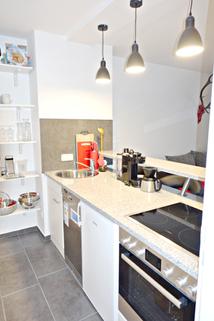 Barküche Voll möblierte Zweizimmerwohnung - Erstbezug nach Komplettsanierung