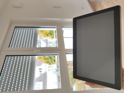 Tablet f. Smarthome Erstbezug: 1,5-Zi-Wohnung 1. OG, Balkon + Marken-Einbauküche!