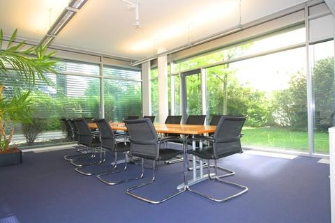 Meeting STOCK - Tolle Repräsentanz in modernen Gebäudeensemble