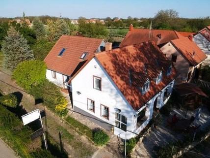 PH0320_mvc-001f.jpg Einfamilienhaus in süd Ungarn, in Stadt Bóly
