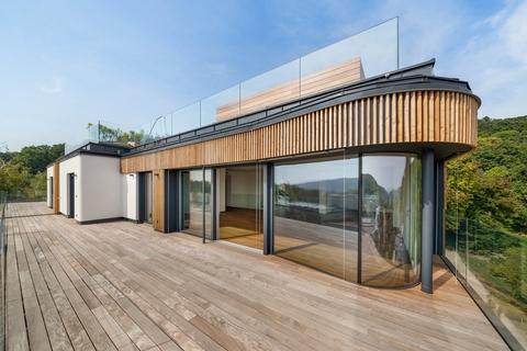 Ansicht Wohn-/Essbereich von Terrase ON TOP OF VIENNA - Penthouse mit Infinity-Pool und Blick über ganz Wien!