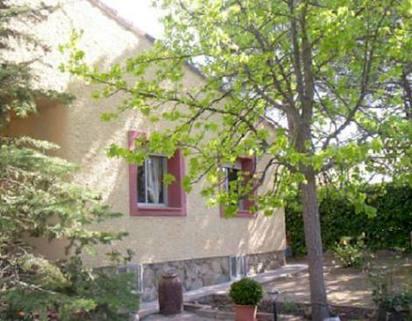 PE0422_mvc-001f.jpg Grosses Einfamilienhaus mit Einliegerwohnung