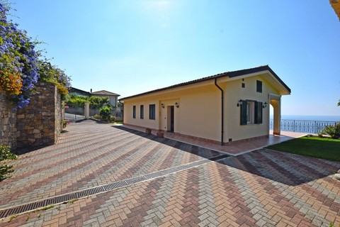 villa (4) Moderne Villa in Ospedaletti