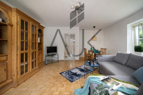 Wohnzimmer Dieses romantische Reiheneckhaus wird aus dem Dornröschenschlaf erweckt werden - Ein ruhiges Domizil