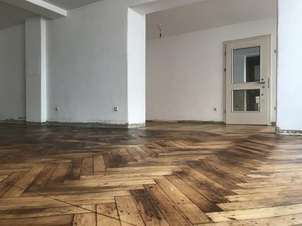 Hochwertiger Boden Beste Lauflage zur Altstadt !, Laden-/Büroeinheit  in der Schirmgasse, ca. 72 qm, provisionsfrei