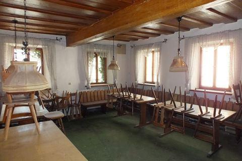 Gastraum Ehemalige Gaststätte mit Nebengebäude in Uehlfeld... Handwerker und Sanierer aufgespasst!