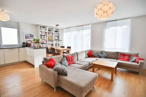 Wohnen und Essen **Helle und moderne 3 - Zimmer - Wohnung mit sonnigem Balkon zum Wohlfühlen**