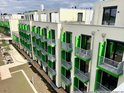 Fassade mit Balkonen Schickes Dachterrassen-Apartment! Für Studenten/Azubis *ERSTBEZUG*