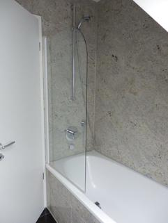Bad Bild 3 Sonnige 1 ½ -Zi.-DG – Wohnung in Alt-Obermenzing