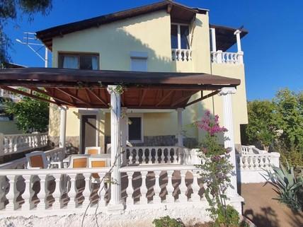PTR0214_mvc-001f.jpg Villa mit Meerblick in Foca zu verkaufen