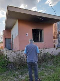 PI0381_mvc-001f.jpg Grundstück mit kl. Haus am Meer