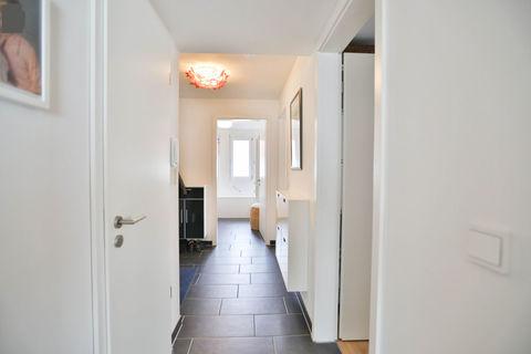 Diele **Helle und moderne 3 - Zimmer - Wohnung mit sonnigem Balkon zum Wohlfühlen**