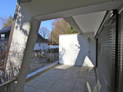 Terrasse/Westausrichtung Für Terrassenliebhaber, schöne 2-Zimmer-Wohnung mit 2 großzügigenTerrassen, Bestlage Menterschwaige