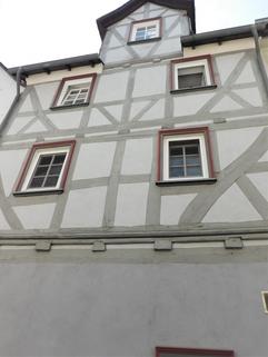 Treppenaufgang in der Diele Gemütliches Fachwerkhaus, tolle Lage, wunderschönes Grundstück!