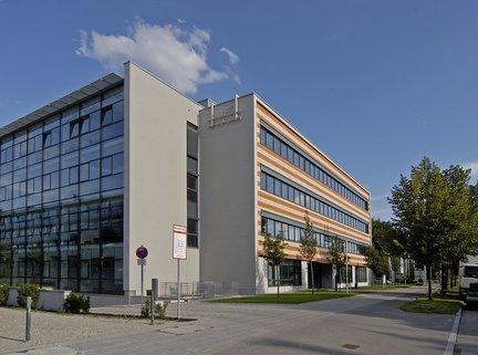 Gebäudeansicht Nord-Westseite Repräsentatives Bürogebäude in der Leopoldstraße, Büroflächen teilbar ab 14 m²