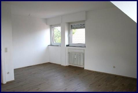 Wohnzimmer Gemütliche 2,5 Zi Wohnung in ruhiger Lage