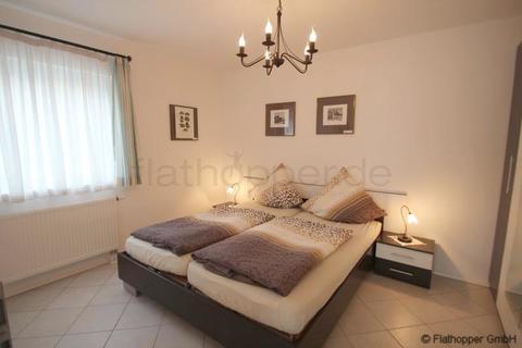 Bild 3 FLATHOPPER.de - Mitten im Grünen: 2-Zimmer-Wohnung mit Terrasse, Garten und Parkplatz in Bad Endorf