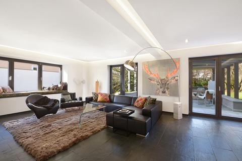 Wohnzimmer Modernes Familiendomizil mit ca. 269 m² und Traumgarten