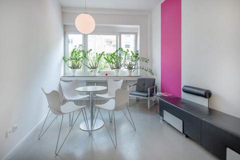 Bistro Mieterprovisionsfrei: Büro mit 2 Arbeitsplätzen in zentraler MÜNCHEN-CITY-LAGE in Businesscenter an der ISAR